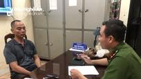 Công an triệu tập người vứt lợn dịch chết trên cầu ở Nghệ An