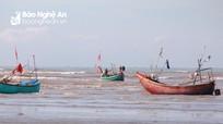 Một ngư dân Nghệ An mất tích trong đêm trên biển
