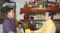 Đoàn công tác Ủy ban MTTQ tỉnh thăm hỏi các gia đình có tàu cá bị cháy