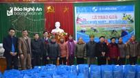Eximbank Vinh trao 40 suất quà Tết cho người nghèo Anh Sơn