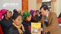 Báo Nghệ An, Tổng Công ty Vật tư Nông nghiệp tặng quà Tết cho người nghèo xã Đôn Phục