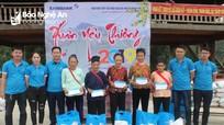 Eximbank Vinh trao 40 suất quà Tết cho người nghèo ở Anh Sơn