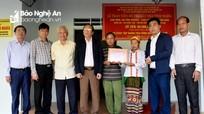 Trao 60 triệu đồng hỗ trợ xây nhà tình nghĩa cho thân nhân liệt sỹ ở Quỳ Hợp