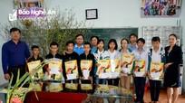 Báo Nghệ An, Tổng Công ty Vật tư Nông nghiệp tặng quà Tết đến người nghèo ở Yên Thành