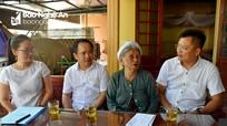 Báo Nghệ An thăm, tặng quà Mẹ Việt Nam Anh hùng, thân nhân liệt sỹ