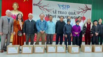 Hội hỗ trợ gia đình liệt sĩ tỉnh trao quà Tết cho thân nhân liệt sĩ ở Hưng Nguyên