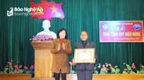 Tân Kỳ, Thái Hòa  trao tặng Huy hiệu Đảng cho các đảng viên