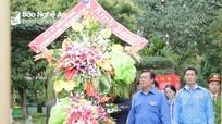 Bí thư thứ nhất Trung ương Đoàn dâng hoa tại Khu Di tích Kim Liên