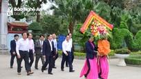 Thứ trưởng Thường trực Bộ Ngoại giao dâng hương tại Khu Di tích Kim Liên