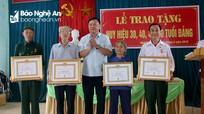 Tân Kỳ: Trao Huy hiệu Đảng cho 13 đảng viên