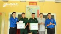 Đoàn Khối Các cơ quan tỉnh thăm, tặng quà cán bộ, chiến sỹ đảo Mắt