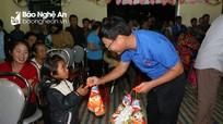 Nghệ An: Ấm áp Trung thu của trẻ em vùng lũ