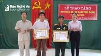 Trao tặng Huy hiệu 55 và 30 năm tuổi Đảng ở Kỳ Sơn
