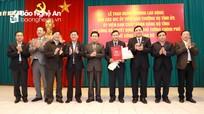 Trao Quyết định của Thủ tướng phê chuẩn kết quả bầu bổ sung chức vụ Phó Chủ tịch UBND tỉnh