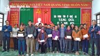 Văn phòng Tỉnh ủy tặng quà Tết cho hộ nghèo tại Tân Kỳ, Yên Thành