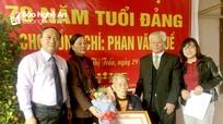 Yên Thành trao Huy hiệu Đảng cho các đảng viên