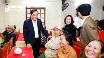 Ban Tổ chức Trung ương thăm hỏi, ủng hộ đồng bào Nghệ An khắc phục hậu quả thiên tai