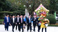 Lãnh đạo tỉnh dâng hương tưởng niệm Chủ tịch Hồ Chí Minh và nguyên Tổng Bí thư Lê Hồng Phong