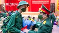 Thanh niên Nghệ An hăng hái lên đường nhập ngũ