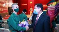 Bí thư Tỉnh ủy Thái Thanh Quý dự lễ giao, nhận quân tại thành phố Vinh