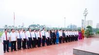 HĐND tỉnh Nghệ An dâng hoa tưởng niệm Chủ tịch Hồ Chí Minh