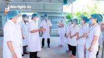 Bí thư Tỉnh ủy Thái Thanh Quý thăm, động viên đội ngũ y, bác sỹ trên tuyến đầu chống dịch Covid -19