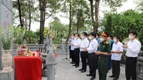 Tưởng niệm các Anh hùng liệt sĩ tại Nghĩa trang liệt sĩ Quốc gia Đường 9 và Thành cổ Quảng Trị