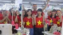 4500 công nhân công ty may được nghỉ để cổ vũ trận chung kết