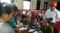 Công an Thị xã Thái Hòa xuống tận nhà dân cấp đổi CMND