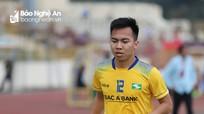 """Lỡ hẹn AFF Cup 2018, Khắc Ngọc và Hoàng Thịnh đi đá """"phủi"""""""