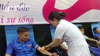 Hơn 1.300 người dân Yên Thành tham gia hiến máu tình nguyện