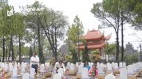 Đoàn công tác Báo Nghệ An dâng hương tại Nghĩa trang liệt sỹ Quốc gia Đường 9