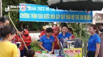 Thanh niên Nghĩa Đàn rửa xe, bán nước mía gây quỹ ủng hộ trẻ em nghèo