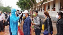 Nghệ An tiếp tục trao giấy chứng nhận hết thời hạn cách ly cho 140 công dân