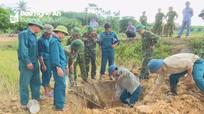 Phát hiện quả bom nặng gần 113 kg dưới ruộng lúa ở Tân Kỳ