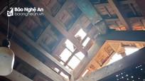 Lốc xoáy ở Kỳ Sơn làm hàng chục ngôi nhà bị tốc mái