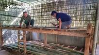 Giáo viên vùng cao Nghệ An tự tay sửa sang phòng học bán trú cho học sinh