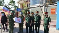Bộ Chỉ huy Quân sự tỉnh thăm, tặng quà động viên lực lượng phòng, chống dịch Covid-19