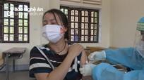 Cửa Lò triển khai tiêm 1.900 liều vắc-xin Covid-19 cho các doanh nghiệp, tiểu thương