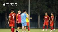 Thầy Park lặng lẽ quan sát ĐT U23 Việt Nam ngày đầu tiếp quản