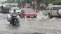 Nhiều tuyến đường tại Nghệ An bị ngập sâu sau mưa lớn