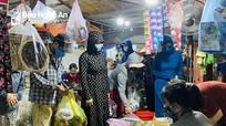 Nghi Lộc: Người dân đổ xô đi tích trữ thực phẩm trước  thời điểm thực hiện Chỉ thị 16