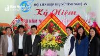 Phó Bí thư Thường trực Tỉnh ủy chúc mừng Hội LHPN tỉnh