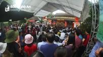 Hàng trăm người đổ về Đền Hồng Sơn dâng hương giỗ Tổ