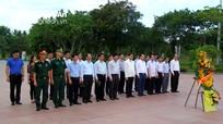 Đoàn lãnh đạo tỉnh Nghệ An dâng hương tại Thành cổ Quảng Trị