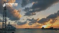 Ngắm vẻ đẹp của hoàng hôn trên biển ở Trường Sa