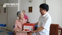 Đoàn công tác tỉnh Nghệ An thăm con gái nhà cách mạng Nguyễn Thị Minh Khai