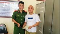 Nghệ An: Công an xã trả lại chiếc ví đánh rơi chứa 45 triệu đồng