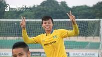 Quế Ngọc Hải tươi cười trong buổi tập cuối cùng của V.League 2018