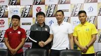 HLV trưởng và đội trưởng SLNA quyết đánh bại đội bóng của Hữu Thắng